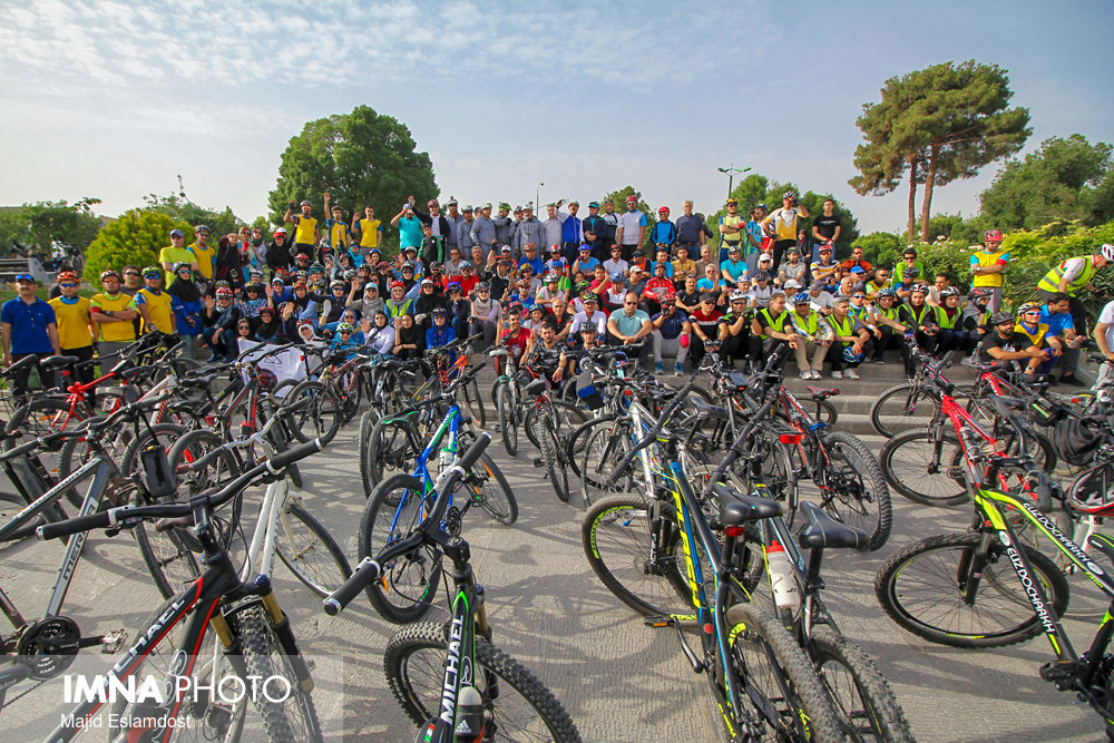 More bicycle-sharing stations will be launched in Isfahan