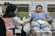 اهدای خون در اولین شب از شب های قدر