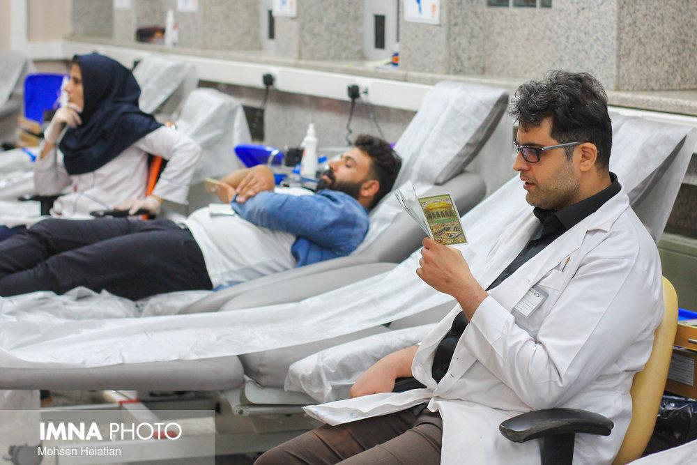 فعالیت شیفت شبانه مراکز اهدای خون اصفهان در ماه رمضان