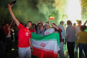 شادی مردم اصفهان پس از برد تیم فوتبال ایران