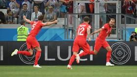 """پیروزی دقیقه نودی """"سه شیرها"""" برابر تونس/""""کین"""" فرشته نجات انگلیس شد"""
