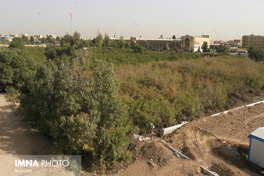 رفع تصرف غیرقانونی ۲ هزار متر مربع از اراضی شهرداری