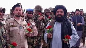 عکس یادگاری با طالبان و اتهام جاسوسی وزیر اسرائیلی برای ایران