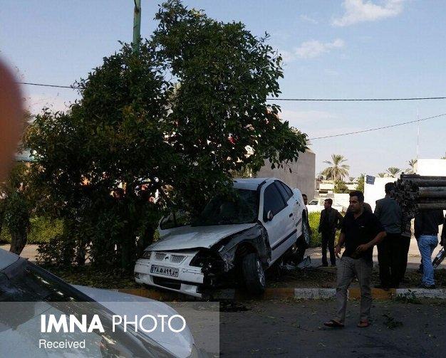 مصدوم شدن ۵ نوجوان در تصادف خودرو با درخت