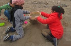 خاک، بهار کودکان است