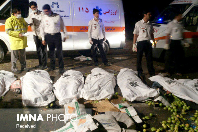 ۲۰ کشته و مجروح در برخورد مرگبار تریلی و اتوبوس در سربیشه