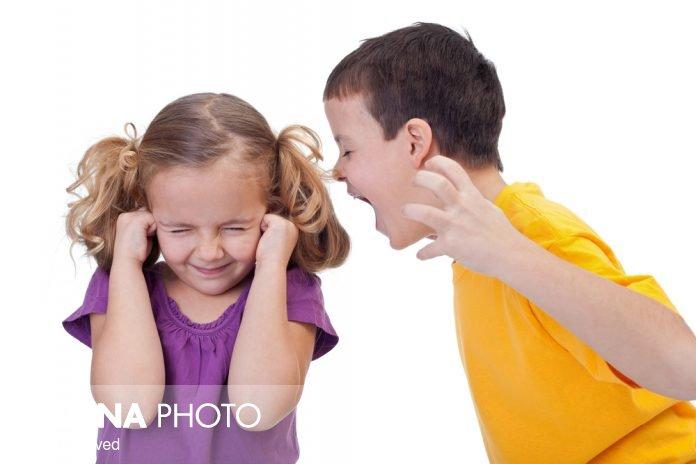 چگونه پرخاشگری کودکان را کاهش دهیم؟