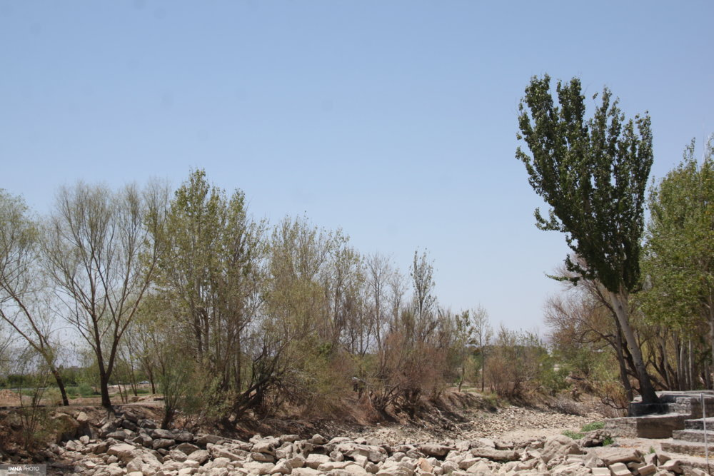 """""""مردم بالادست""""چشمه شان خشکیده"""
