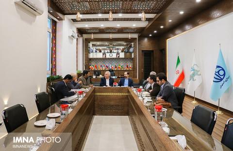 دیدار دکتر صالحی معاون معاونت علمی و فن آوری ریاست جمهوری با شهردار اصفهان