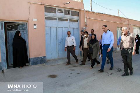 بازدید مسئولین از روستای اندوان