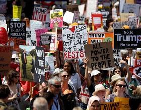 تظاهرات در «هلسینکی» همزمان با ورود ترامپ