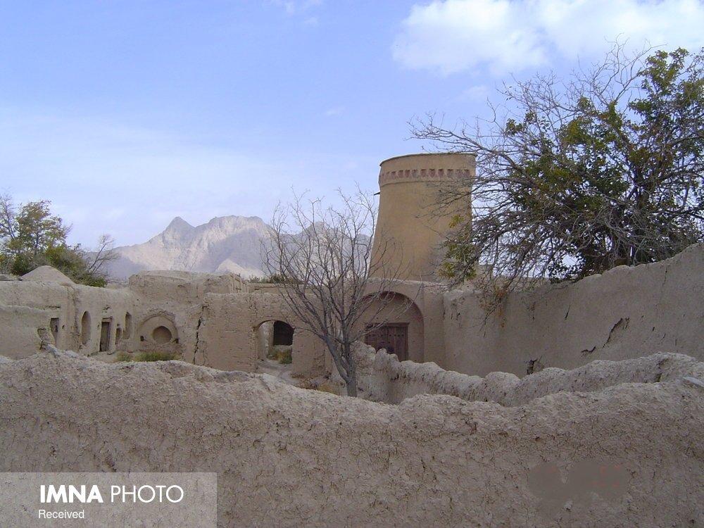 شهر قلعه ها در حال تخریب است