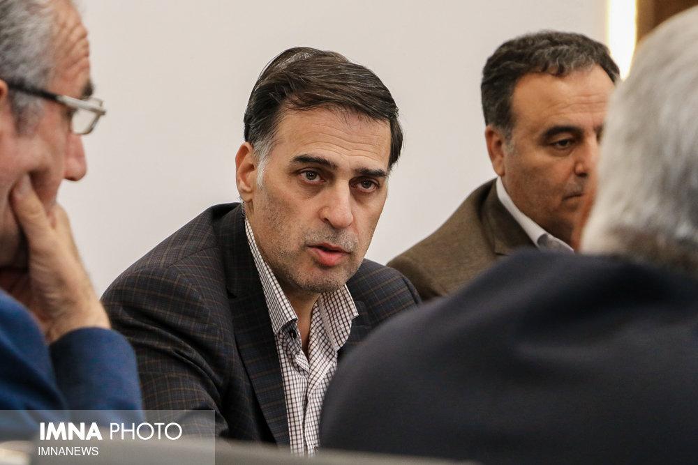 آذری مدیرعامل باشگاه ذوب آهن را تهدید کرد