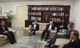 ظریف و نخست وزیر سنگاپور درباره برجام گفت وگو کردند