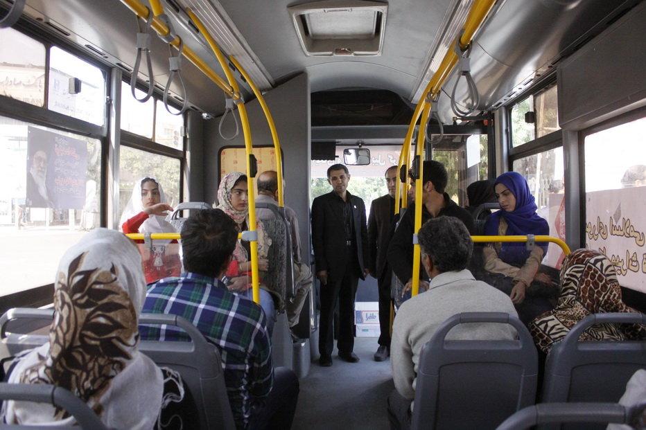 ایجاد ۳ کریدور دانش آموزی در شهر/ پای اتوبوس های نو به مناطق محروم باز می شود