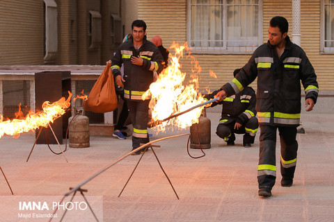 کمبود تجهیزات امدادی آتشنشانی بادرود