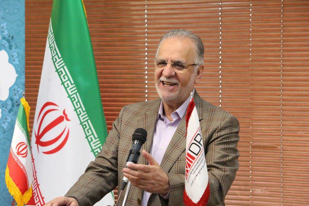 سهم ۶۰ درصدی اصفهان در تولید فولاد/ امیدوارم دوباره در کنار زاینده رود کاهو سکنجبین بخوریم