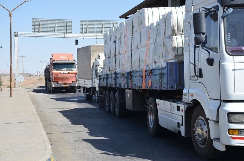 تریلر حامل برنج قاچاق در اردستان توقیف شد