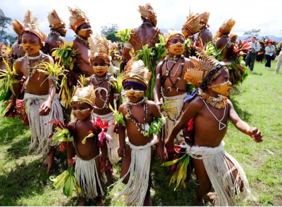 بومیان؛ حافظ ۷ هزار زبان و ۵ هزار فرهنگ