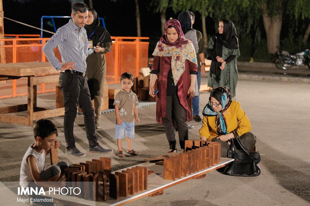 جشنواره تفریحی آموزشی «سازههای من و بابام» در منطقه پنج
