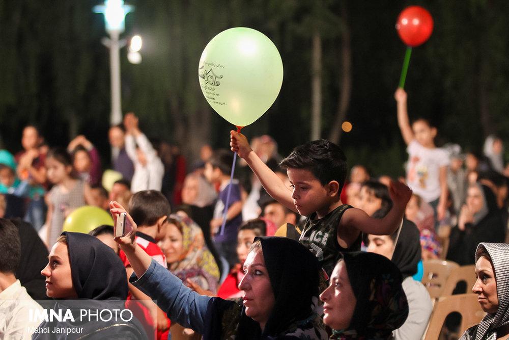 """جشنواره""""آب و سیمرغ"""" با معرفی برگزیدگان به کار خود پایان داد"""