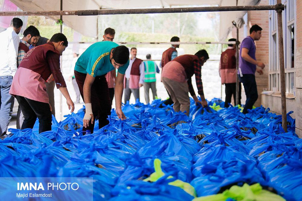 کمک ۲۷,۵ میلیارد تومانی اصفهانیها به نیازمندان در ماه مبارک رمضان