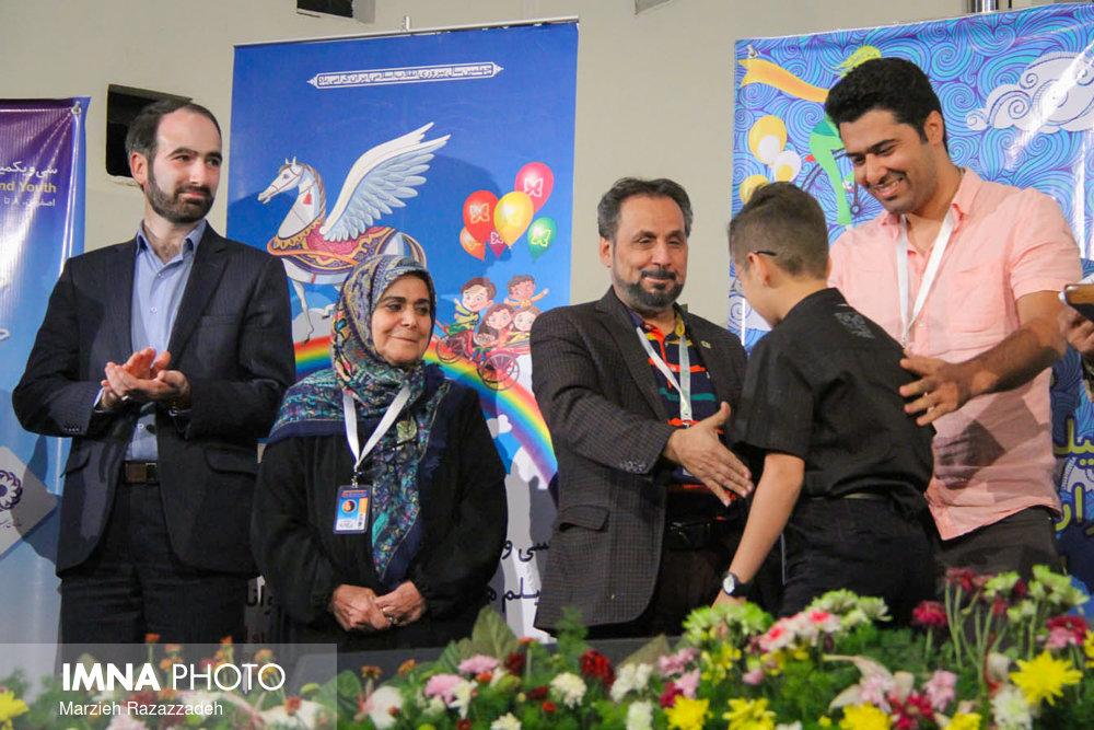 ۶ سازمان دولتی جایزه خود را به بهترین فیلم کودک و نوجوان اهدا کردند