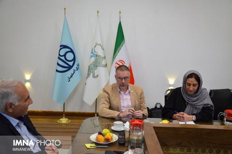 دیدار ویل پارکس نماینده یونیسف در ایران با شهردار اصفهان
