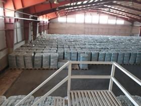 کشف و ضبط ۴ هزار و ۵۰۰ بسته پوشک بچه احتکار شده در لنجان
