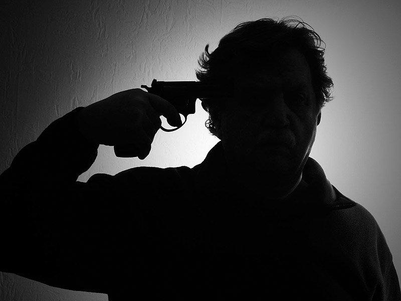 ردپای بحرانهای اقتصادی در خودکشی
