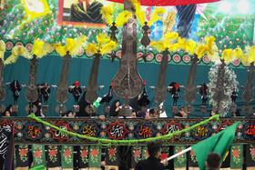مراسم عزاداری امام حسین در گلستان شهدا