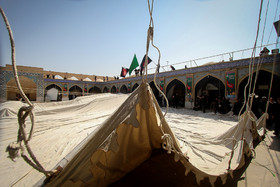 آیین سنتی برافراشتن خیمه حسینیه امامزاده هارونیه