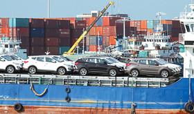 واردات خودرو به کشور باید مدیریت شود نه ممنوع
