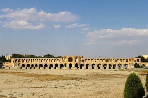 Isfahan passed difficult situations of water crisis