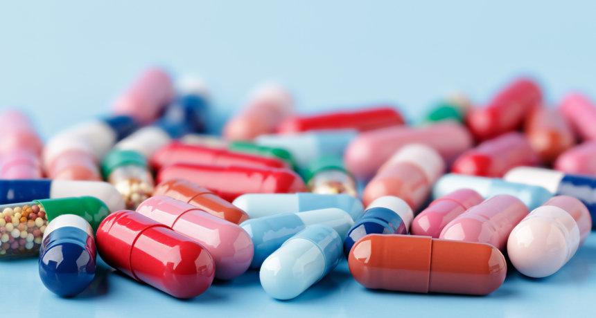 مصرف سالانه ۴۲ میلیارد قلم دارو در کشور/ خطرات خروپف را بشناسید