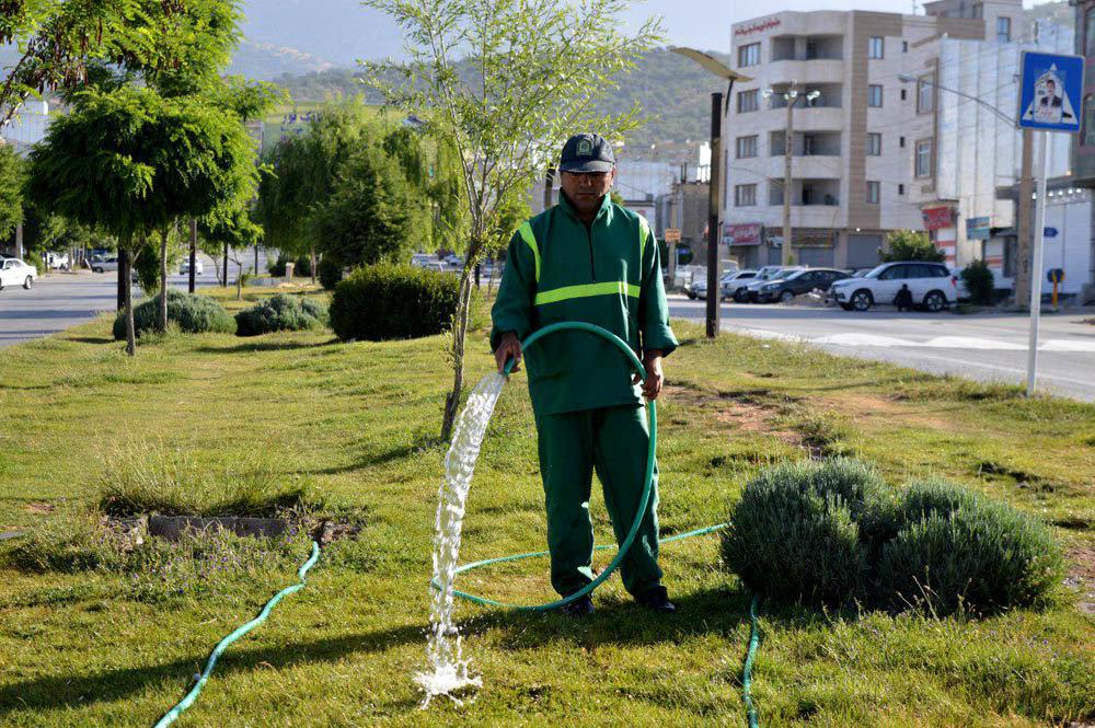 کاهش مصرف آب شرب در آبیاری فضای سبز خوانسار