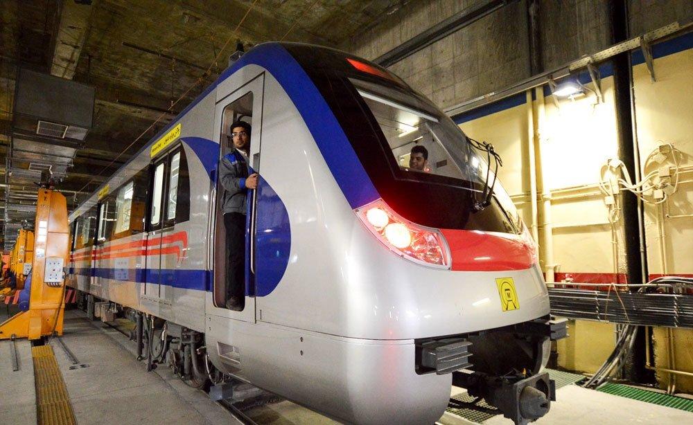 بازدید شهردار شیراز از خط دو مترو