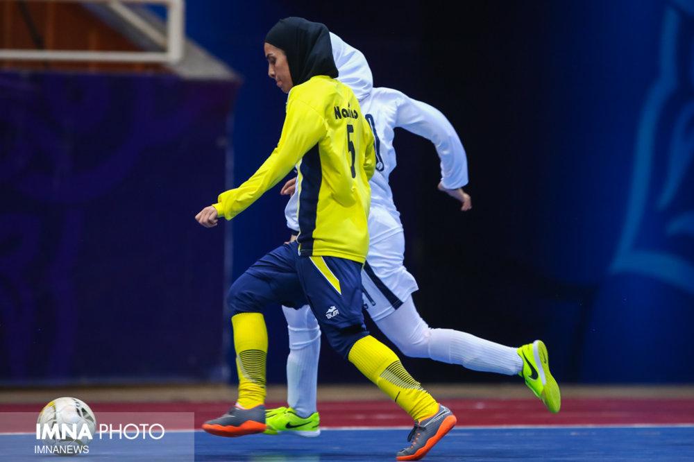 نامی نو ۳ _ هیئت فوتبال رودان صفر/ یاران آشتیانی در اصفهان به پیروزی رسیدند