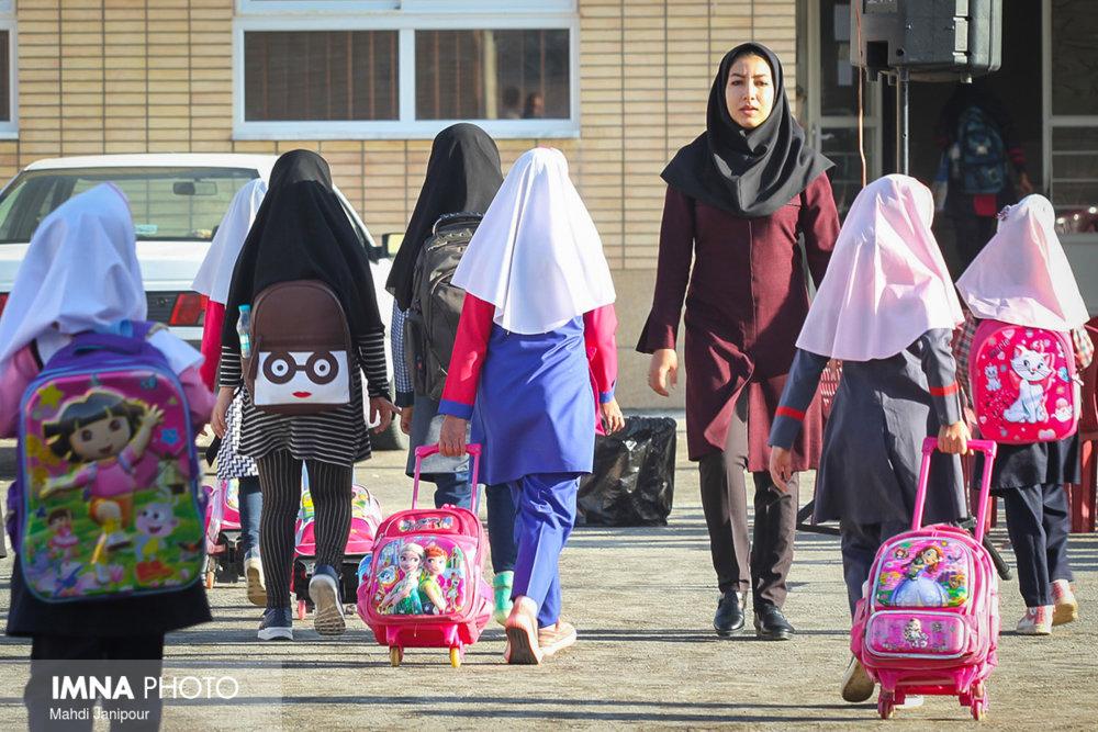 بسیاری مدارس کشور از کیفیت مطلوب آموزشی عقب ماندهاند