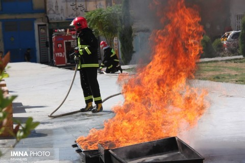 امدادرسانی ۲۵ آتشنشان به شهروندان تالش