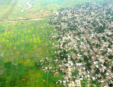 پيشروي شهر در اراضي كشاورزي
