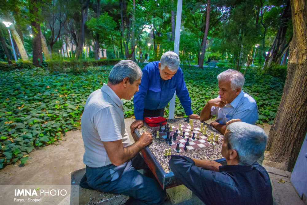 """Senior Park"" for Isfahani elderly citizens"
