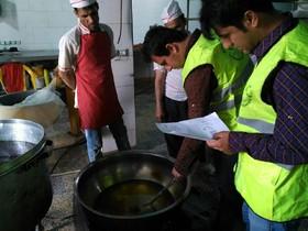 مراکز تهیه و توزیع مواد غذایی متخلف در کاشان معرفی شدند