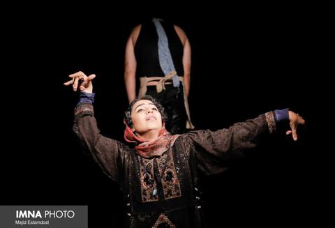 اجرای تئاتر باشد برای آبان و آذر!