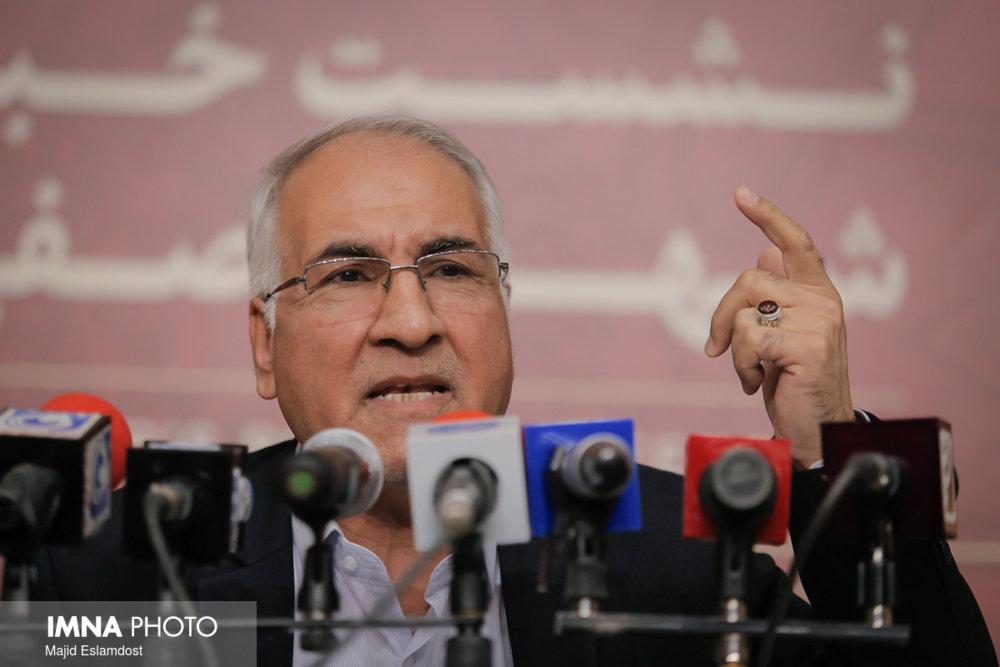 اصفهان باید به حلقه جهانی وصل شود/ شعار شفافیت متعلق به شهرداری است
