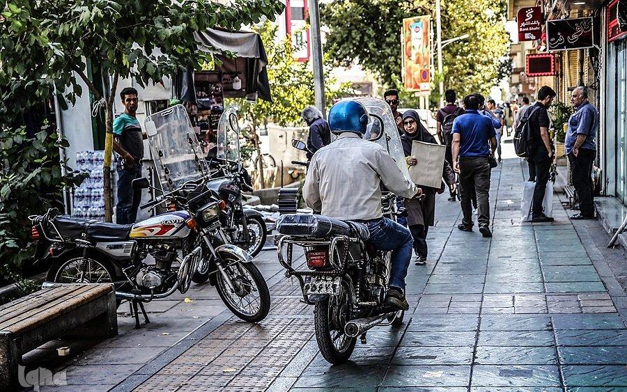 موتورسواری که مهمان ناخوانده همسایه شد! + فیلم