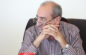 دولت در جبهه اقتصادی با قاطعیت برخورد کند