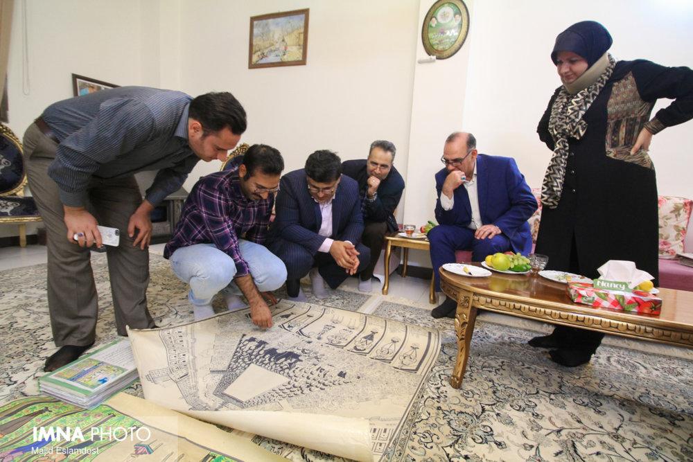 دیدار مسئولان شهری با استاد ناصر اعتزازی