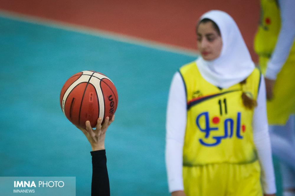 آزاده زمانپور سرمربی تیم بسکتبال بانوان نامی نو شد