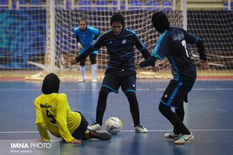 نامینو در ساری مقابل شهروند قرار میگیرد/ هیئت فوتبال اصفهان به دنبال نخستین امتیاز